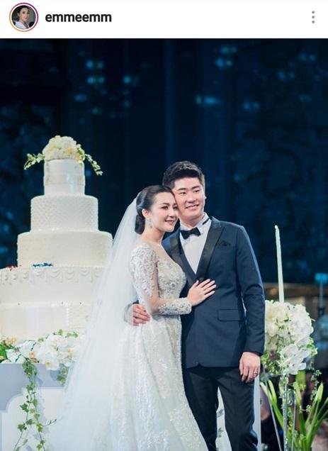 เอ็ม บุษราคัม - กอล์ฟ กรวัฒน์ ในวันแต่งงาน
