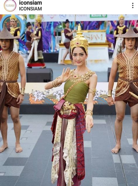 แต้ว ณฐพร งดงามในชุดไทยอีกแล้ว