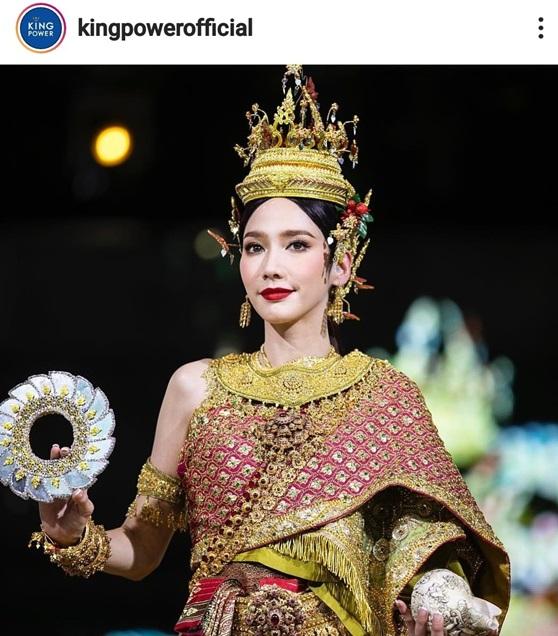 อั้ม พัชราภา ในชุดไทยนางสงกรานต์ 2562