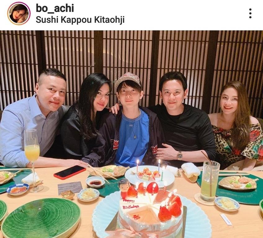 น้องอชิ กับครอบครัวของพ่อและแม่