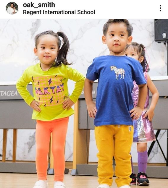 น้องอลิน น้องอลัน เต้นสดใสในงานโรงเรียน