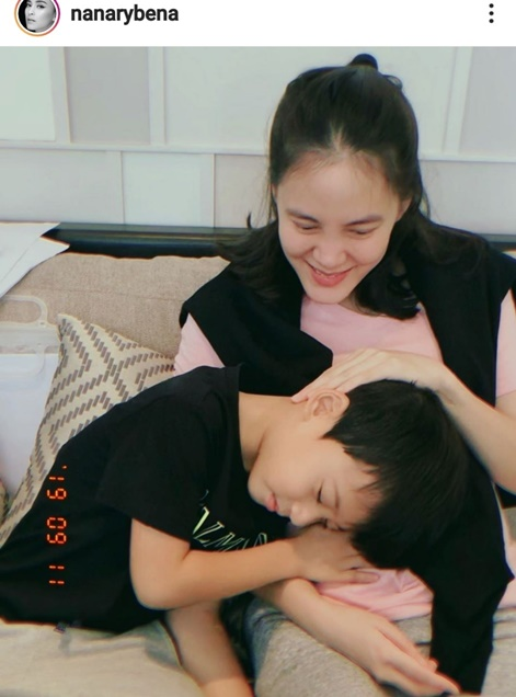 เจนี่ กับน้องบรู๊คลิน ลูกชายนานา