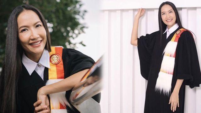 เอ๊ะ อิศริยา เข้ารับพระราชทานปริญญา สำเร็จการศึกษาปริญญาเอก