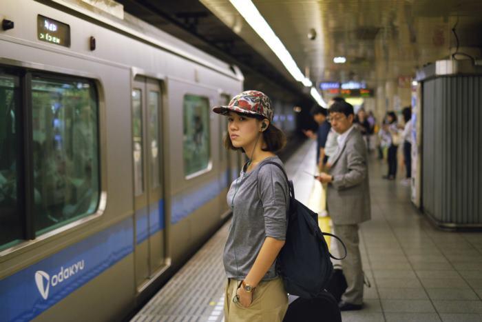 MV Please - Earth ถ่ายทำในสถานีรถไฟญี่ปุ่น