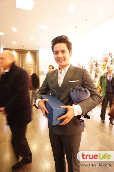 โต๋ เพิ่งรับรางวัล นักร้องยอดเยี่ยมที่เกาหลี
