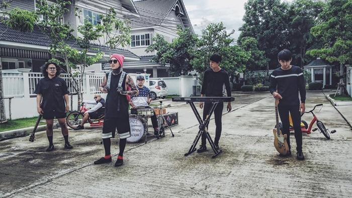 งานโกอินเตอร์!! แจ๊ส สปุ๊กนิค ปาปิยอง กุ๊กกุ๊ก เปิดตัว MV เพลง Stressed Out ภาษาไทย