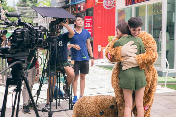 หล่อแค่ไหนถามใจเธอดู!! หล่อเลย เพลงใหม่จาก พลพล พร้อมชวนพี่น้องร่วมค่ายเล่น MV