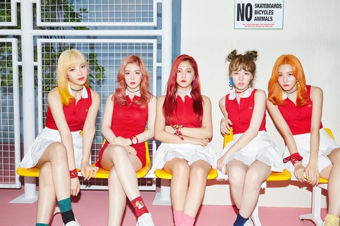 5สาว Red Velvet กลับมา!! แสบซ่า สวยซนกว่าเดิม ในมิวสิควีดีโอเพลง Russian Roulette