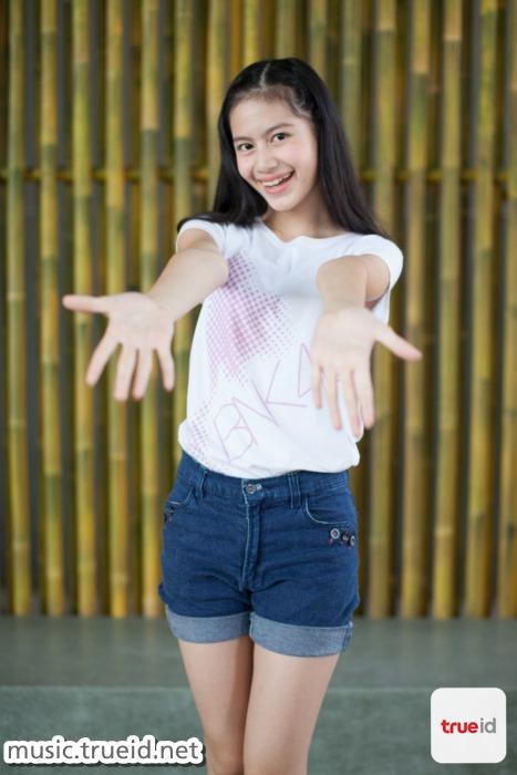 ทำความรู้จัก 7 สาว BNK48 แห่ง Unit 'พลิ้ว' เพลงร้องที่มีเสน่ห์ของเด็กสาว