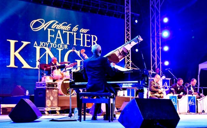 เต็มอิ่มกับ 48 บทเพลงพระราชนิพนธ์ ท่วงทำนองแจ๊ส ใน A Tribute to our Father A Joy to our King