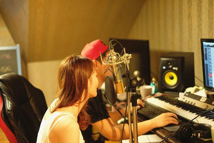 ชีวิตคือการเรียนรู้! หงหยก AF10 บินไกล เรียนร้องเพลงอัพสกิล ถึงเกาหลี !