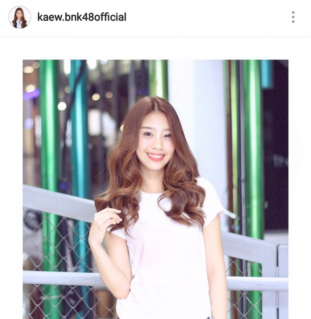 แก้ว BNK48 ออร่ากระจาย ฉายความสวย เก่ง โอตะและหลายคนตกหลุมรัก