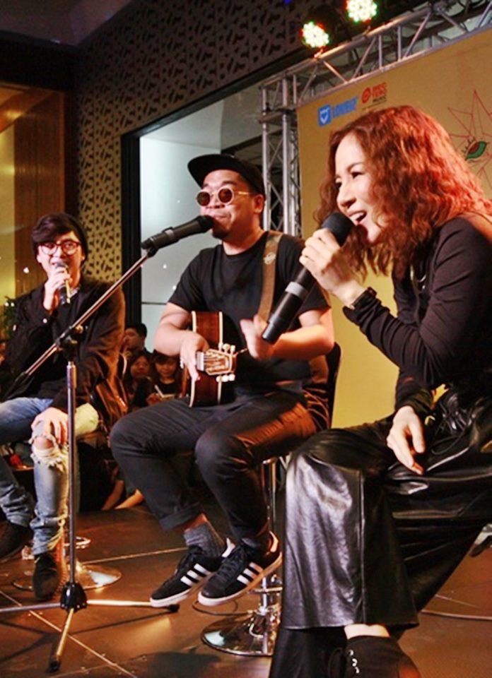 ROOM39 ตื้นตันสุด! แฟนเพลงนับพัน ร่วมงานเปิดตัวอัลบั้ม 2 พร้อมมินิคอนฯ แบบมีสตอรี่!