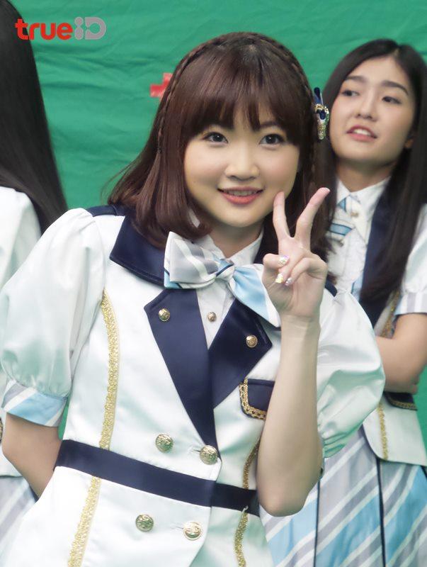 BNK48 สุดปลื้ม! ร่วมงาน GDH ในเอ็มวี อยากจะได้พบเธอ ประกอบซีรี่ส์ Shoot! I Love You (คลิป)