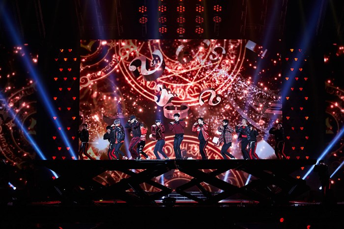 EXO PLANET#4 The ElyXiOn คอนเสิร์ตเต็มรูปแบบครั้งที่ 4 ของวง EXO ณ กรุงโซล