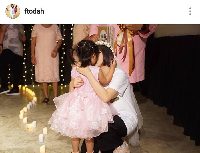 แต่งงานแล้ว! กอล์ฟ ฟักกลิ้งฮีโร่ เซอร์ไพรส์ เบลล์ โดยมี ชูใจเป็นคนพูดขอแม่แต่งงาน เรียบง่าย แต่มีความหมาย