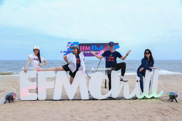 รวมพลัง 2ขั้วความสนุก สนั่นหาด ใน EFM CHILL ON THE BEACH # 14
