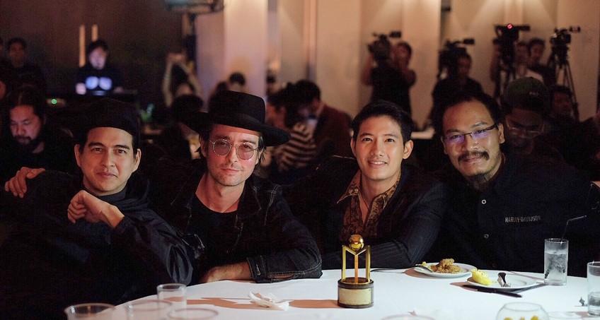 (คลิป) ดำสนิท เพลงไทยสุดเท่ของ ฮิวโก้ คว้ารางวัล เพลงยอดเยี่ยม สีสันอวอร์ด 29 มาครองได้สำเร็จ