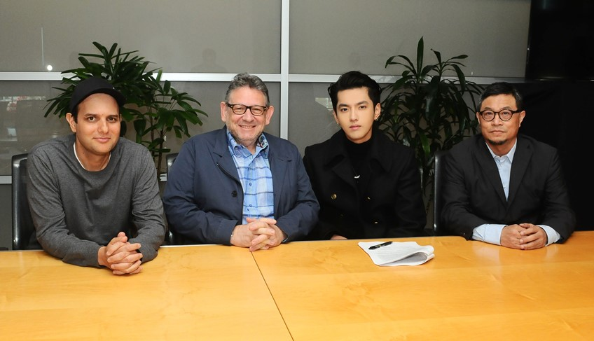 Kris Wu (คริส วู) ซุปเปอร์สตาร์ของเอเชีย เซ็นสัญญาระดับโลกกับบริษัท ยูนิเวอร์ซัล มิวสิค กรุ๊ป