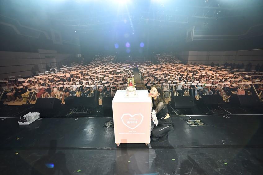 อบอุ่นประทับใจ แฟนไทยเทใจให้ ซูจี ใน 2018 SUZY Asia Fan Meeting Tour WITH in Bangkok