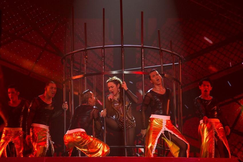 ของจริง ไม่ต้องพูดเยอะ! ใหม่ เจริญปุระ โชว์จัดเต็มไม่ให้นั่ง สมศักดิ์ศรี Queen of Pop Rock!