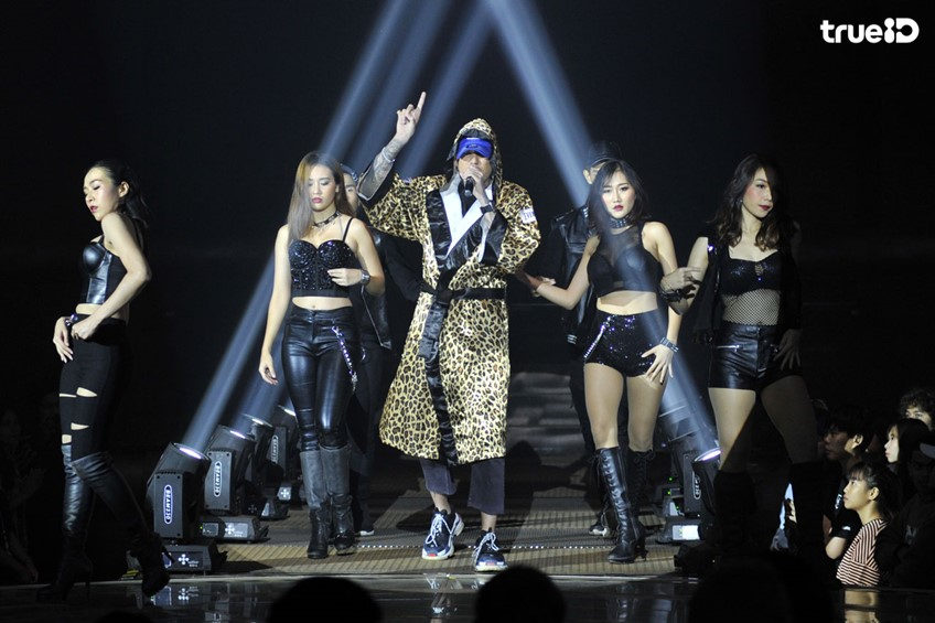Show Me The Money Thailand EP.10 เปิดโชว์กระหึ่มสเตจ ดึงแขกรับเชิญพิเศษร่วมแจม! (มีคลิป)