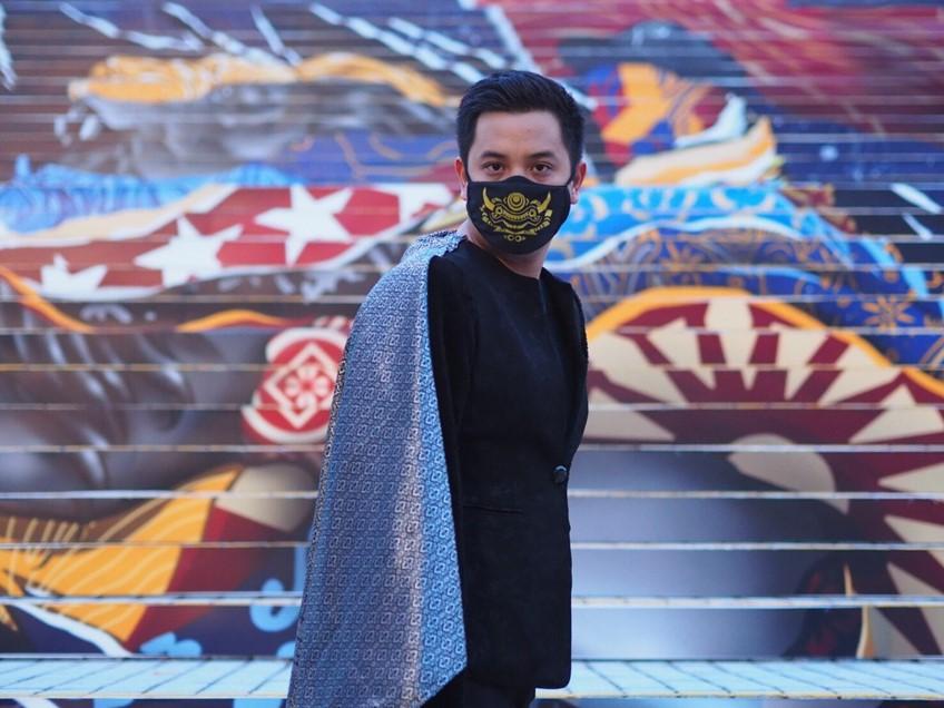 เก่ง ธชย สุดปลื้ม! ต่างชาติยกให้เป็น ศิลปินผู้สร้างปรากฏการณ์ นำทีมศิลปินไทยดังไกลสิงคโปร์