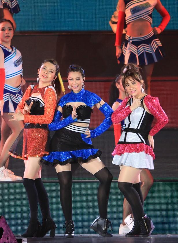 เต้นยับ! GREEN CONCERT 21 Dance Fever รวมศิลปินตัวท็่อป เพลงฮิต แห่งยุค90