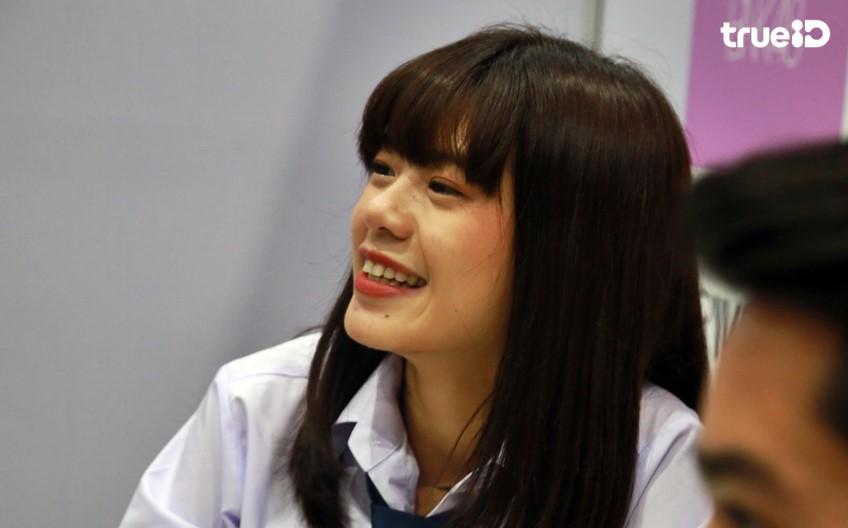 วี BNK48 ออร่าพุ่ง กับความสดใส เท่ก็ได้ น่ารักก็ดี! ถึงแม้จะมีดราม่า!