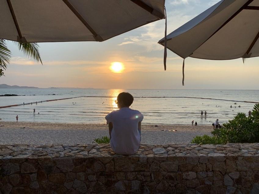 หาดสวยด้วยมือนุช! แฟนคลับเป๊ก ผลิตโชค และคนในพื้นที่ รวมตัวทำความดี เก็บขยะชายหาดพัทยา! (มีคลิป)