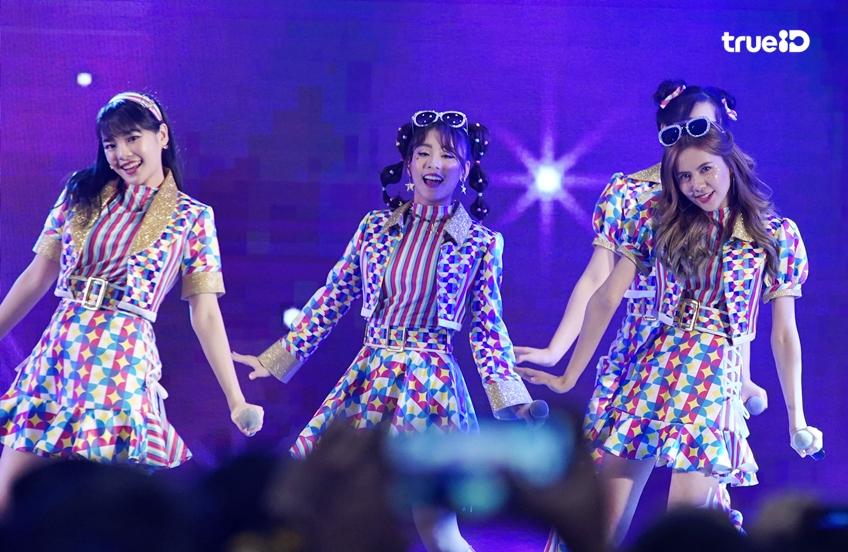 ภาพบรรยากาศ BNK48 เปิดตัวสุดอบอุ่น Everybody Say JABAJA อัลบั้มที่ 2 (มีคลิป)