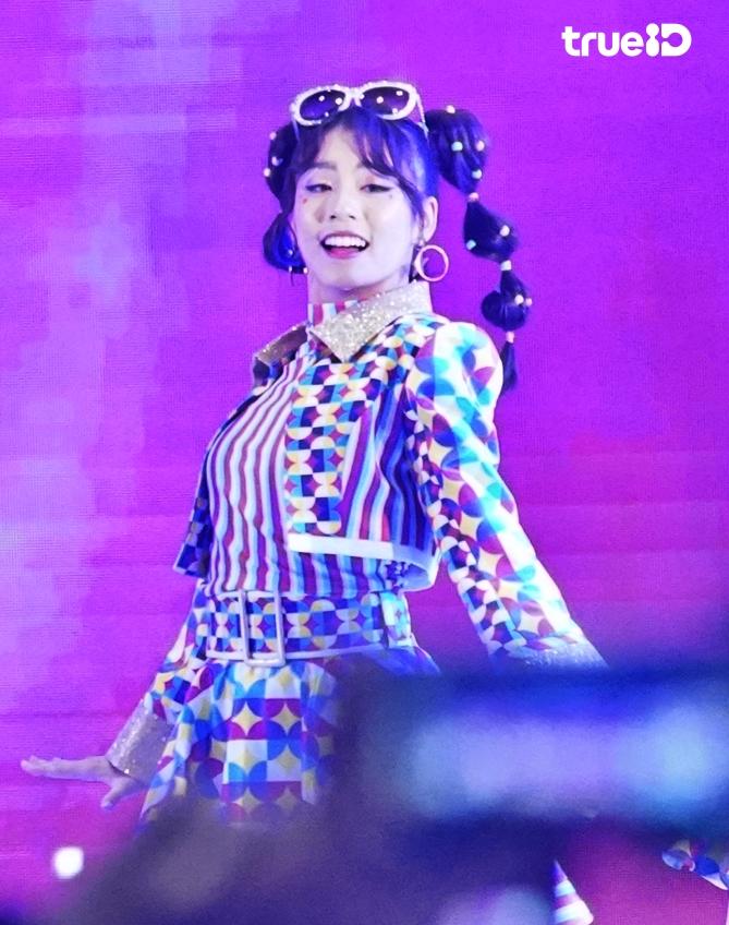 รอยยิ้มของวง! ฟ้อนด์ BNK48 เซ็นเตอร์ JABAJA คู่บอสเป้ ยิ่งยึกยัก รู้จักยิ่งรักเธอ