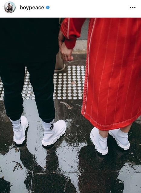 ของรักของหวง!! บอย พีซเมคเกอร์ เปิดคลังรองเท้านับร้อยคู่ ใส่กล่องวางเรียงรายสูงเสียดเพดานบ้าน