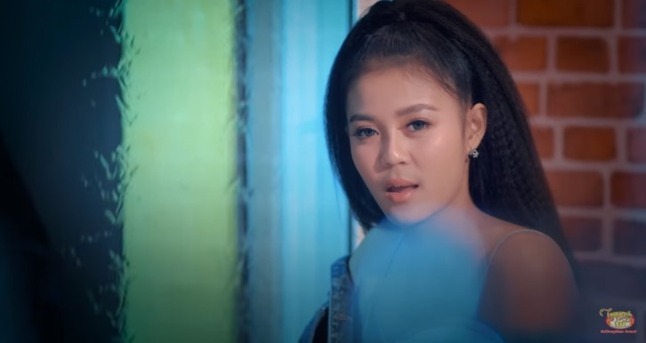 แค่ทีเซอร์ก็มาแรง! MV แค่คนคุย เพลงใหม่ ลำไย ไหทองคำ ติดเทรนด์ Youtube!