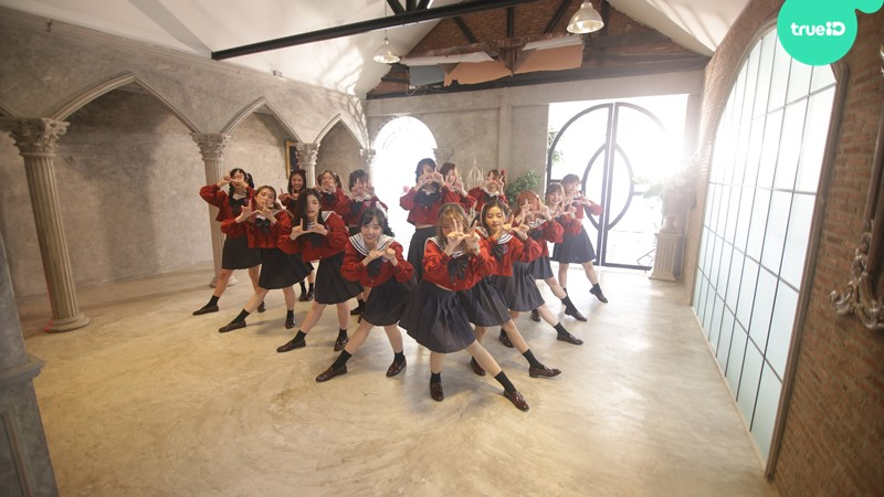 ทุ่มสุดตัว! เบื้องหลังเอ็มวี Dream come true เพลงแรกของ The Glass Girls
