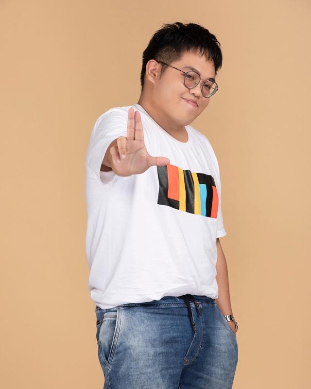 ปังตั้งแต่ต้นปี! โดม จารุวัฒน์ เปิดตัวค่ายใหม่ LIT Entertainment พร้อม 10 Trainee เด็กฝึกคุณภาพ!