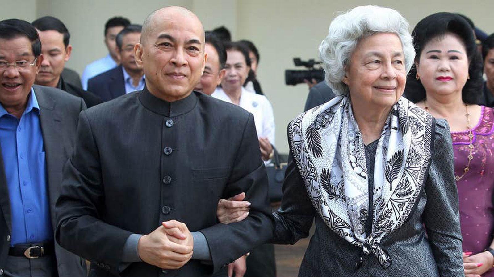 สมเด็จพระนโรดม สีหมุนี พระราชทานเงิน 6 ล้านบาท สู้วิกฤตโควิด-19 ในกัมพูชา