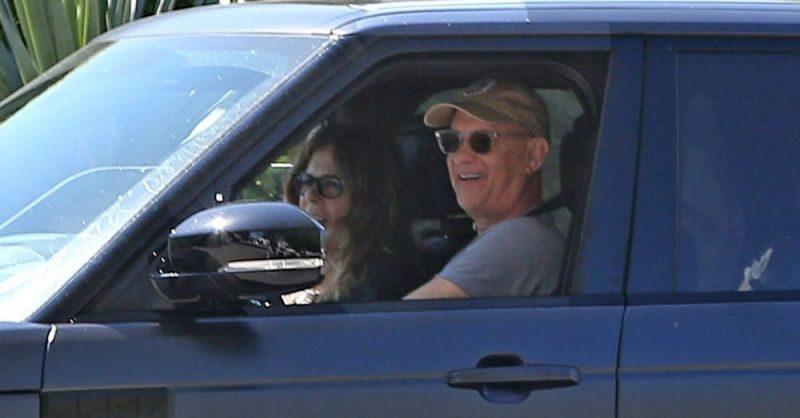 """""""ทอม แฮงค์-ภรรยา"""" กลับถึงสหรัฐฯแล้ว หลังรักษาโควิด-19 ที่ออสเตรเลีย"""