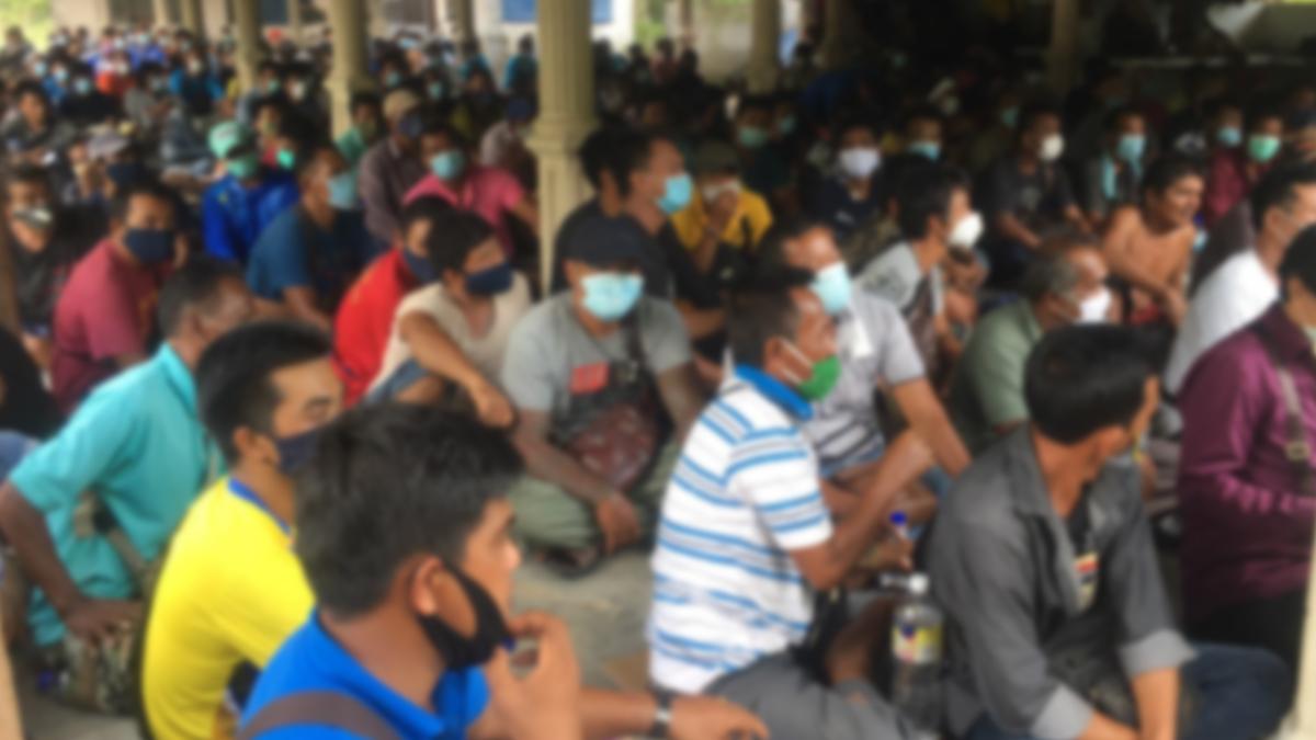 แรงงานไทยในมาเลเซีย ติดด่านกว่า300คน จนท.เผย2-3วันถึงเข้าไทยได้ ร้องขออาหาร-ที่พัก