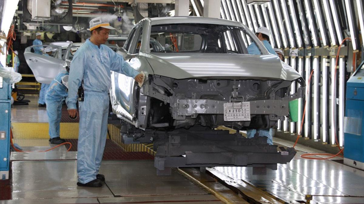 3 ค่ายรถยักษ์ใหญ่ หยุดผลิตรถยนต์ห่วงพนักงานติดโควิด ยอดหาย 2.35 หมื่นคัน