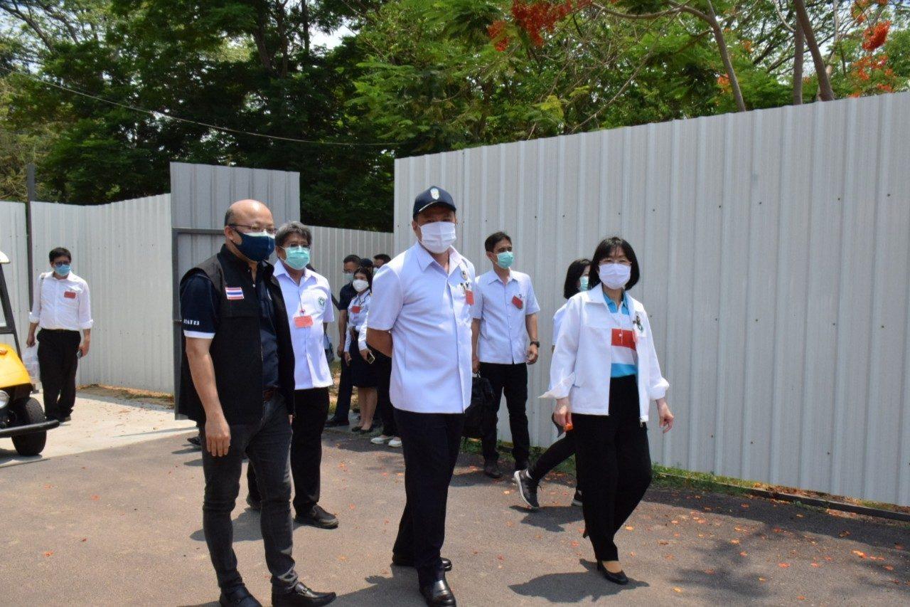 'อนุทิน' เยี่ยม State Quarantine โรงเรียนบินกำแพงแสน รับคนไทยจากอินโดฯ