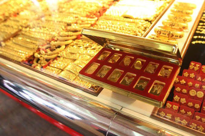 ทองคำไทย ขึ้นทีเดียว 100 บาท ทองแท่งขายออกราคายังเกิน 26,000 บาท