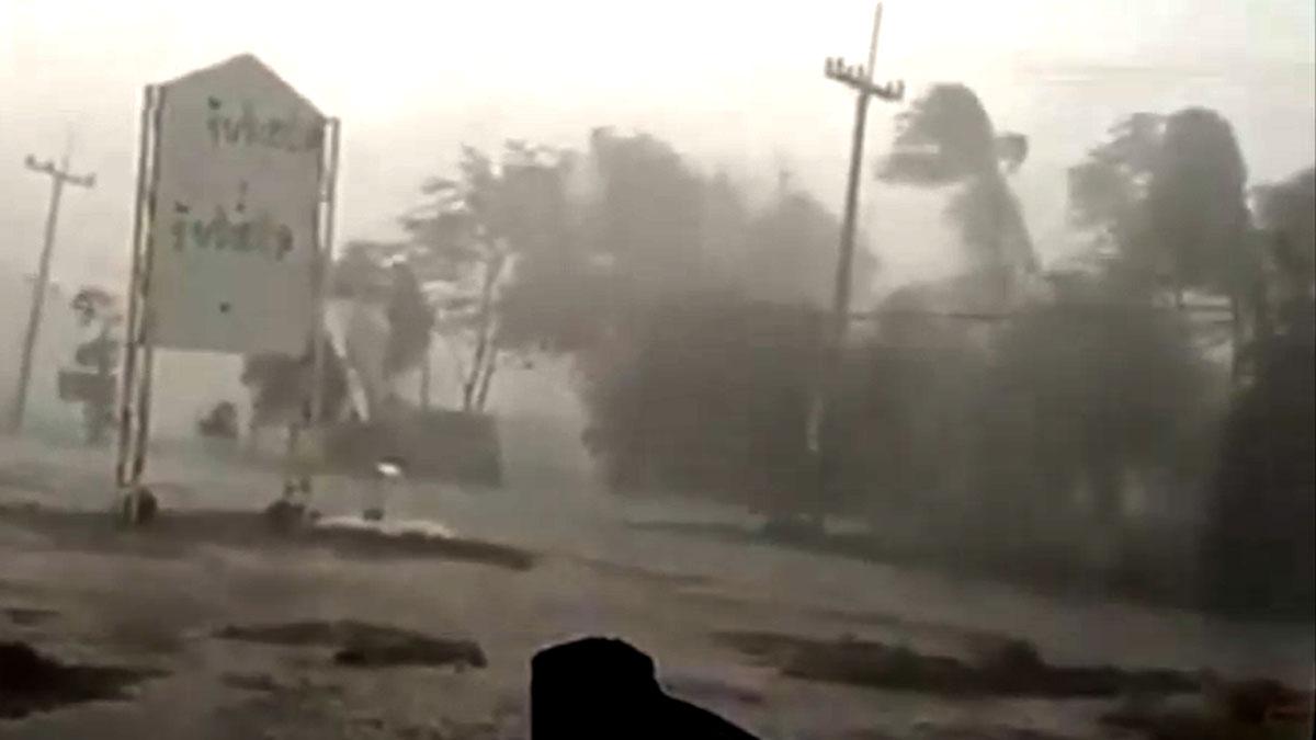 อุดร อ่วม! ฝนถล่มพายุซัด ไม่ทันตั้งตัว 4ตำบล บ้านพังเสียหาย 78 หลัง