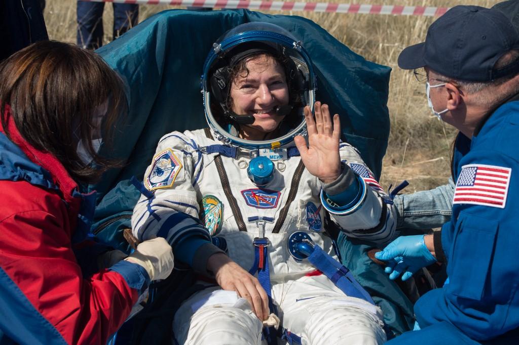 โควิด:นักบินอวกาศกลับโลก เจอสภาพเปลี่ยนไปเพราะไวรัสโคโรนา