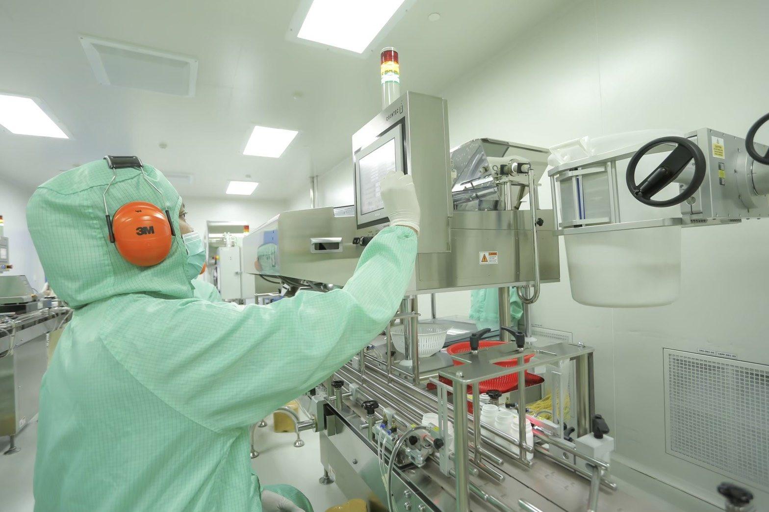 อภ. เพิ่มกำลังการผลิตยา 5 รายการ เพียงพอใช้รักษาโรคโควิด-19