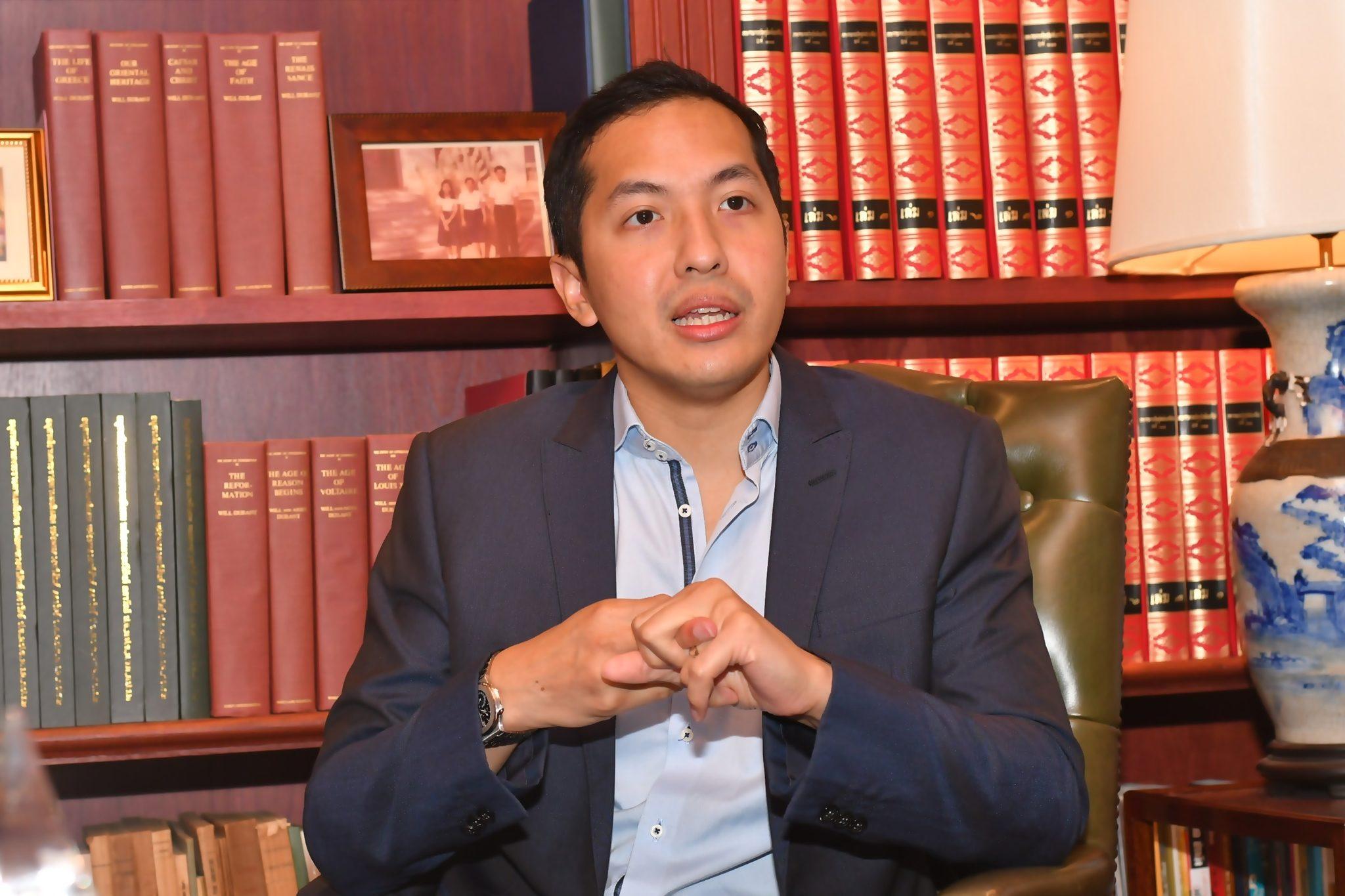 'สันติธาร เสถียรไทย' ชวนรับมือ 'ภาวะไม่ปกติแบบใหม่' ชี้อาจต้องเปิด-ปิดเมืองหลายรอบ