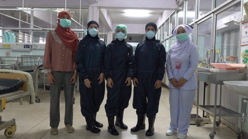 โควิด-19 : พยาบาลชายแดนใต้ ผู้ไม่ย่อท้อกับภารกิจปราบไวรัสโคโรนาสายพันธุ์ใหม่