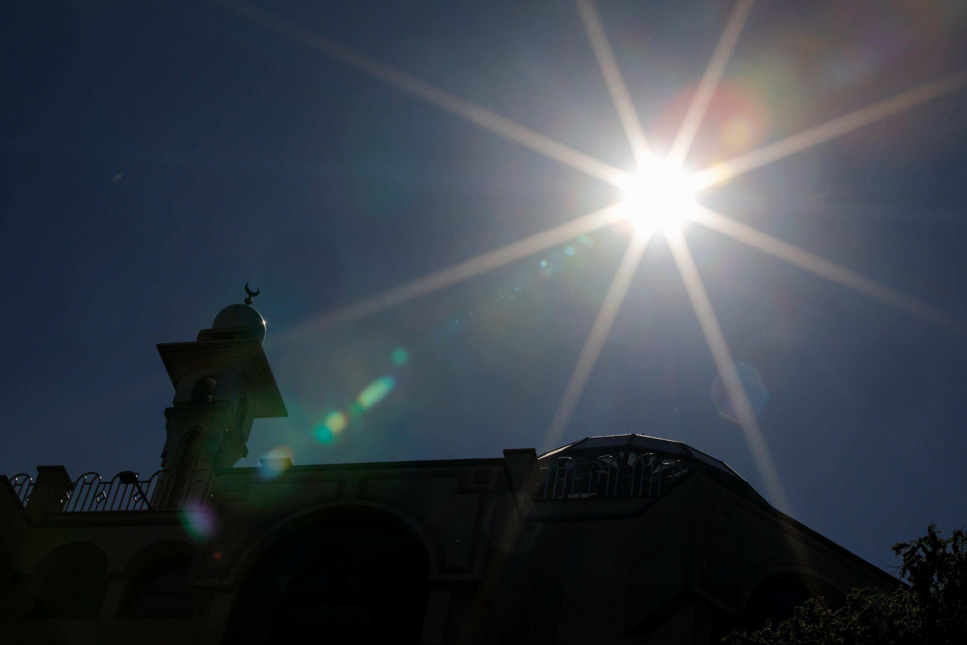 ผลวิจัยชี้ แสงแดด-ความชื้น มีประสิทธิภาพในการฆ่าเชื้อ โควิด-19