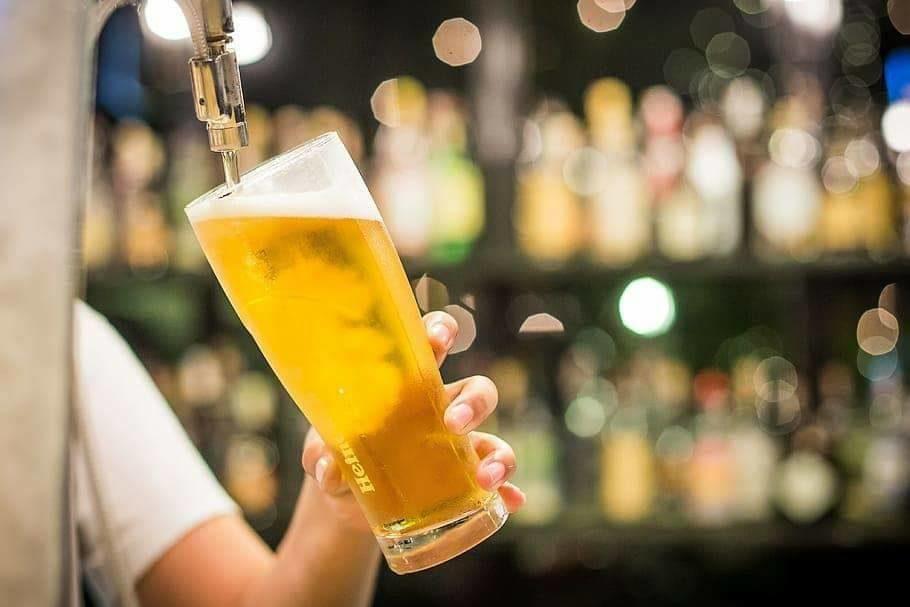 """""""ศบค."""" เผย สถานบันเทิงเปิดได้ตามปกติ-ไม่ห้ามขายเครื่องดื่มแอกอฮอล์ เข้มมาตรการ สธ."""