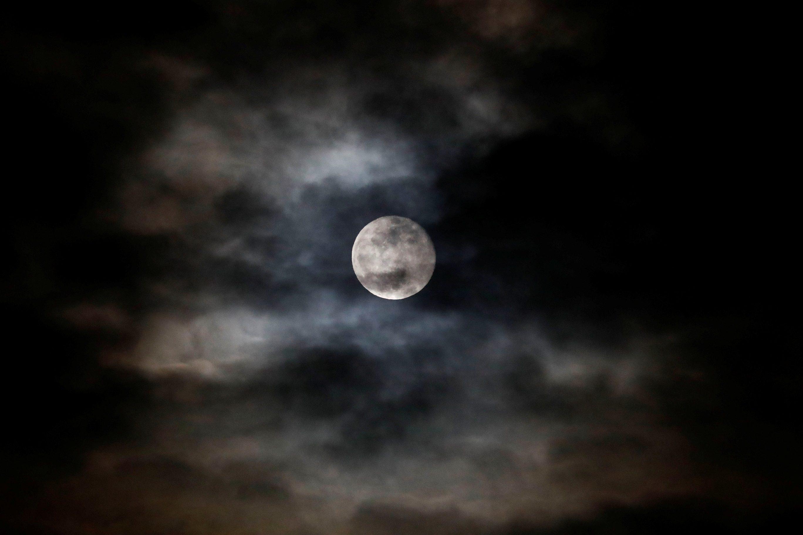'นาซา'เลือกแล้ว 3 บริษัท สร้างระบบลงจอดบนดวงจันทร์